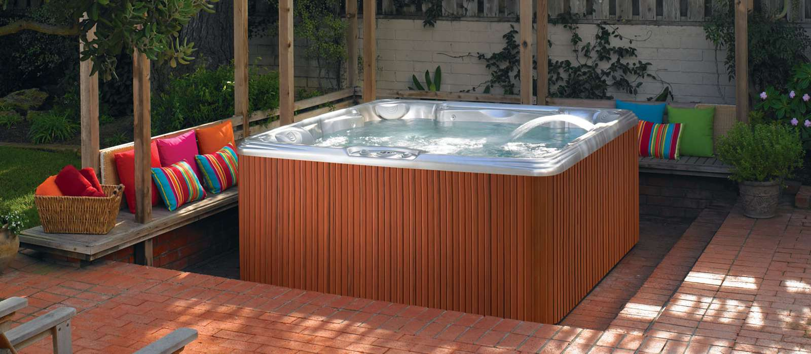 Tempo 6 person Hot Tub