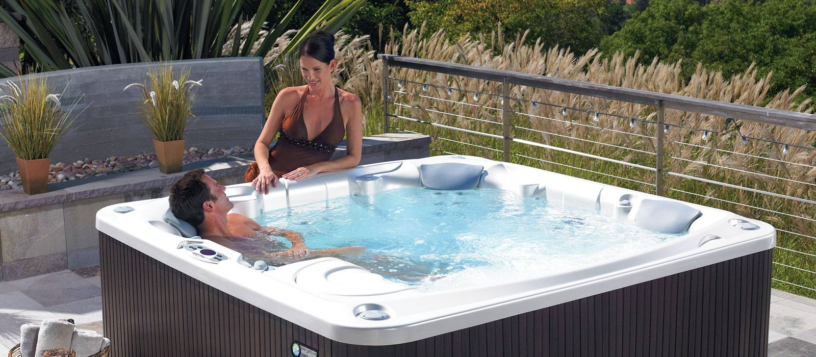 Flair 6 person Hot Tub from Limelight Collection