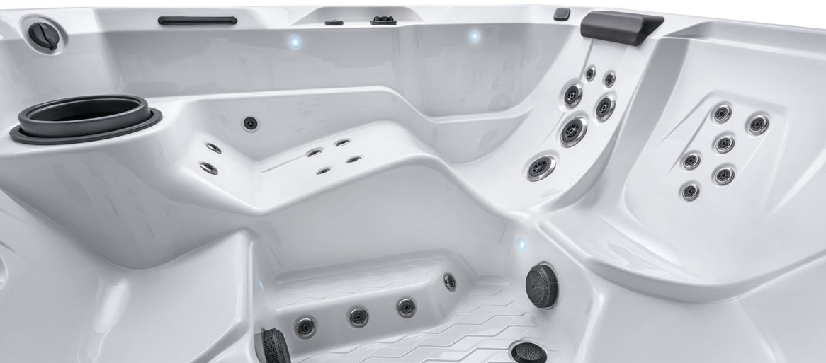 hot-spring-hot-spot-2020-relay-artic-white-seating-jets-profile-detail_w-2000px-h-885px-1166x513